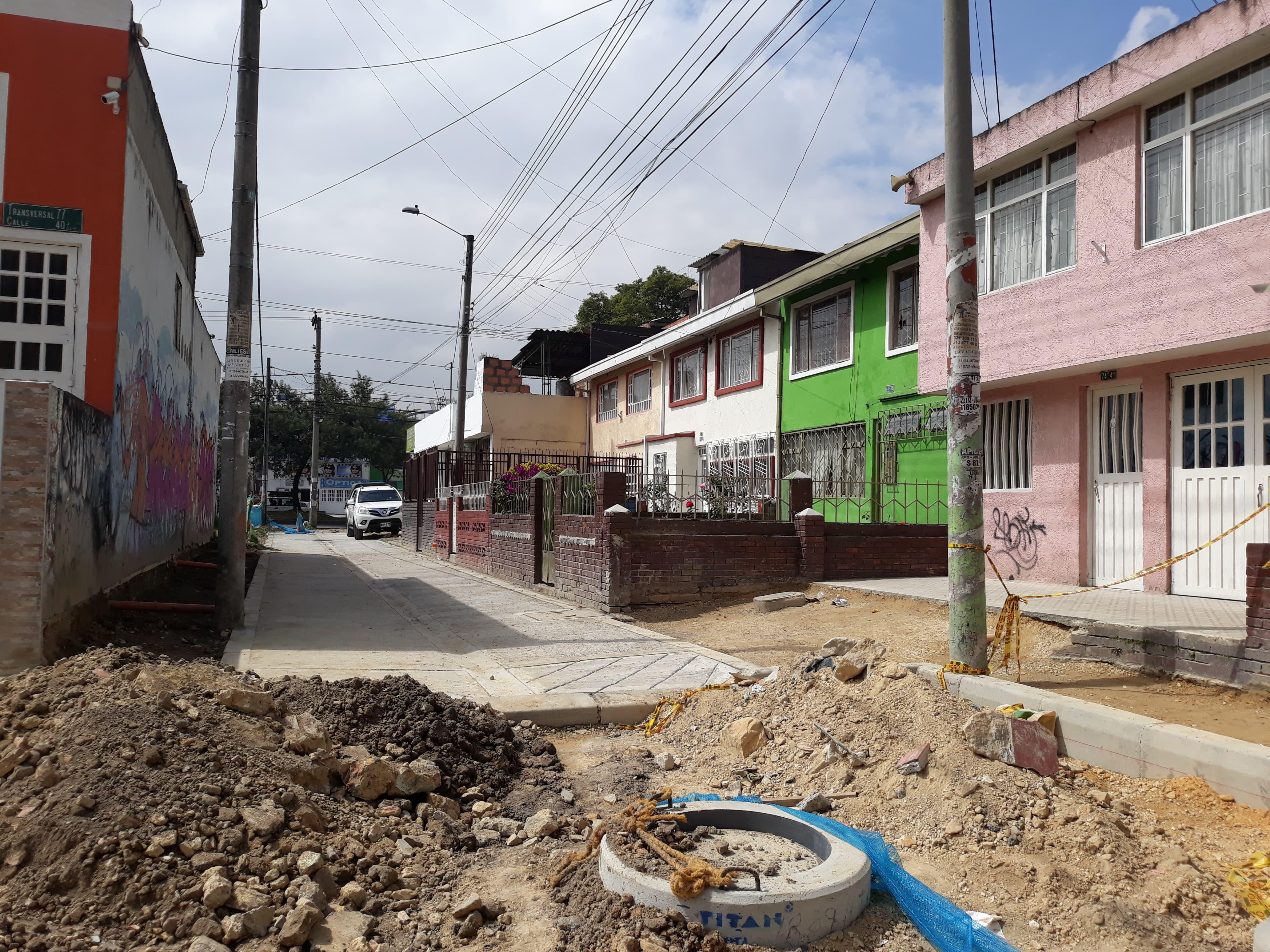 Construcciones o invasiones sobre vías peatonales